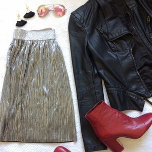 H&M | Divided Metallic Silver Pleated Skirt 007